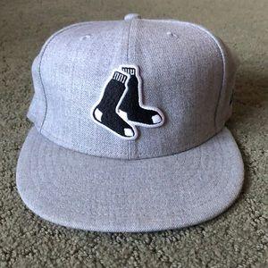 New Era Gray Red Sox Fitted hat w/black socks